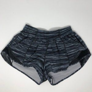 lululemon athletica Shorts - size 4 Lululemon Hotty Hot II 2.5""